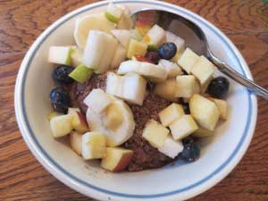 Cooked Cereal with Chopped Fruit