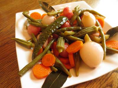 Sweet and Sour Summer Pickled Vegetables